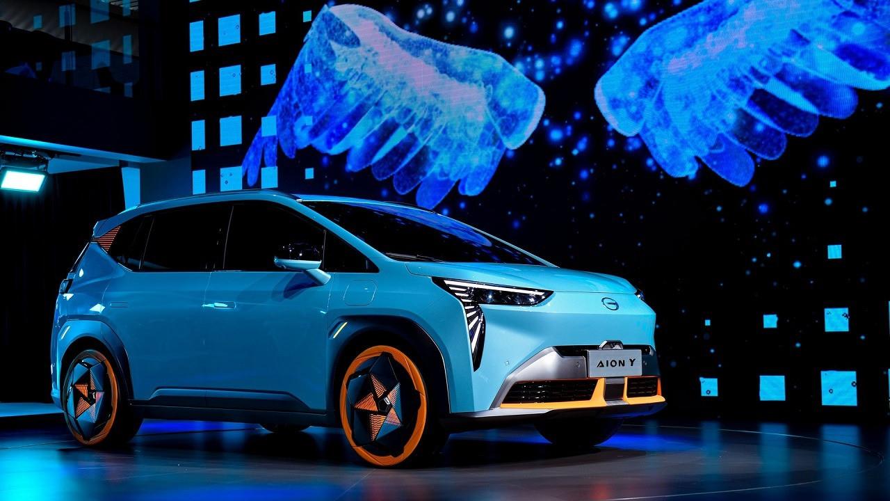 В Китае выпустили бюджетный кроссовер на электродвигателе