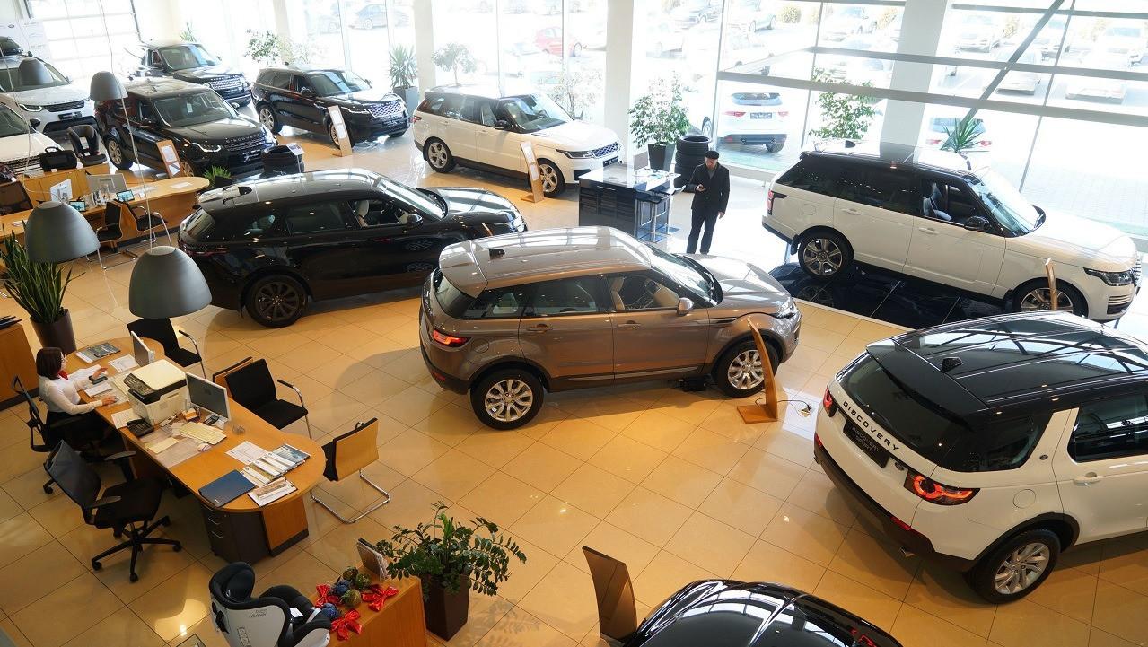 Банки приостановили льготные программы по автокредитам